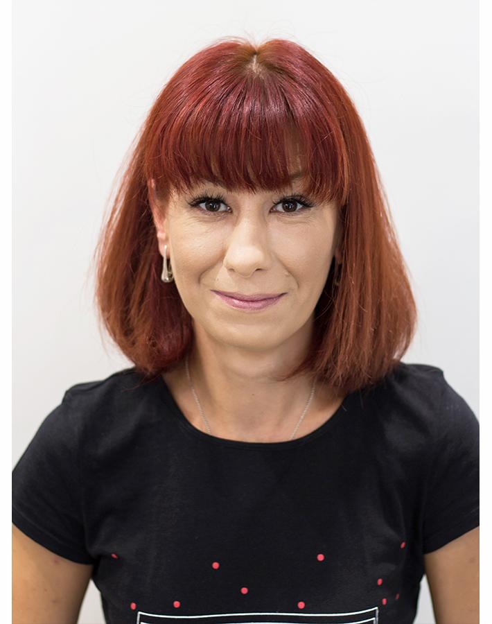 Andreea - hairstylist